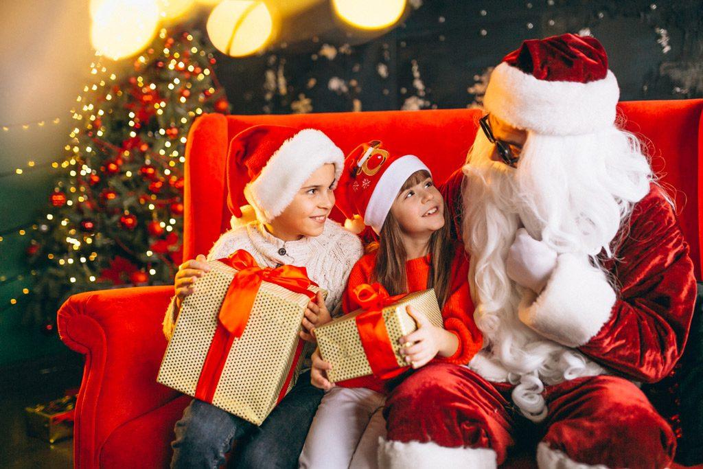 Psicología del color significado rojo papa noel niños regalos
