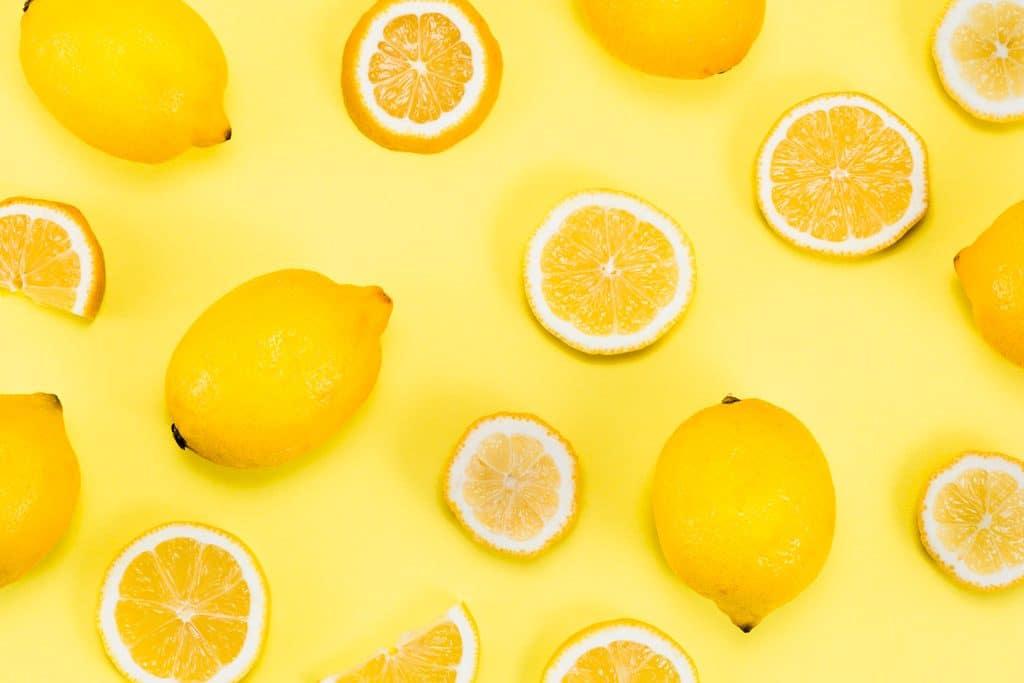 Psicología del color significado amarillo acido refrescante citricos amargo